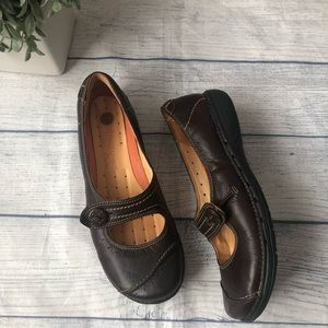Clarks Unstructured Brown Comfort Mary Jane Shoes